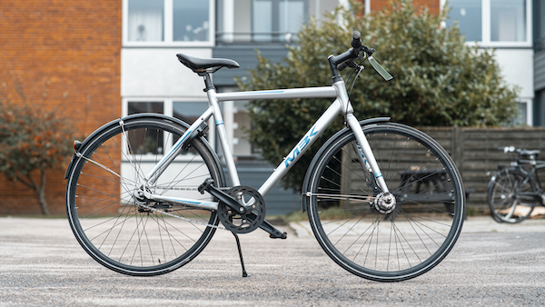 brugt herrecykel M3K i hvid og lyseblå